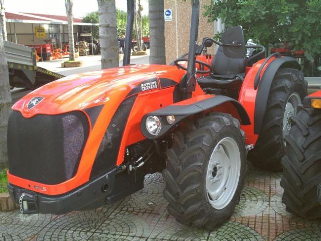 Macchine trattori e attrezzature agricole usate for Trattori usati antonio carraro 7500