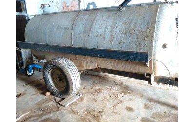 Cisterna trasporto acqua