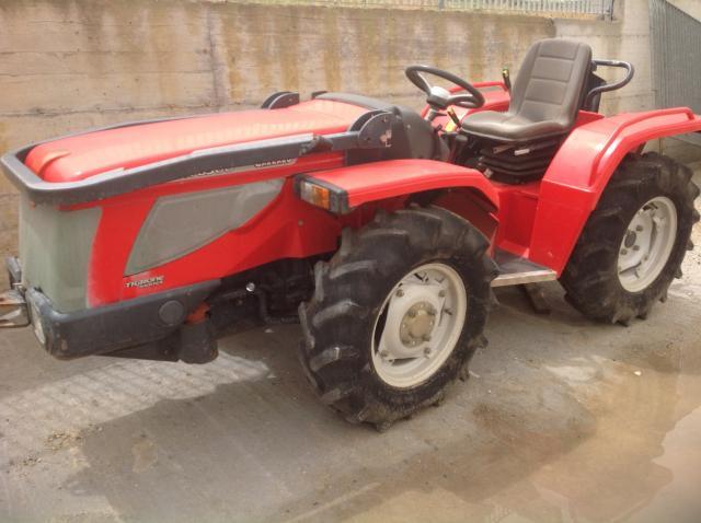 Macchine agricole usate trattori usati ed attrezzature for Trattori usati antonio carraro 7500