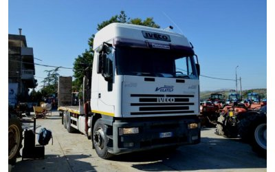 Veicoli camion in vendita su for Vasca trasporto uva usata